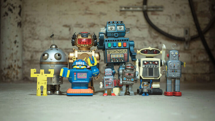 Various small robotors are lined up